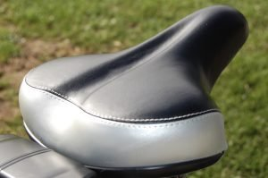RooDog black/grey saddle